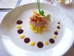 金目鯛のア・ラ・ヴァプール、蛸のフリットとサフラン風味、麦のリゾット添え、ソース・ヴァンルージュ