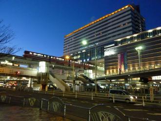夕暮れの小倉駅