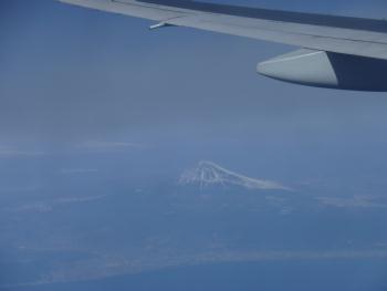 飛行機から臨む富士山