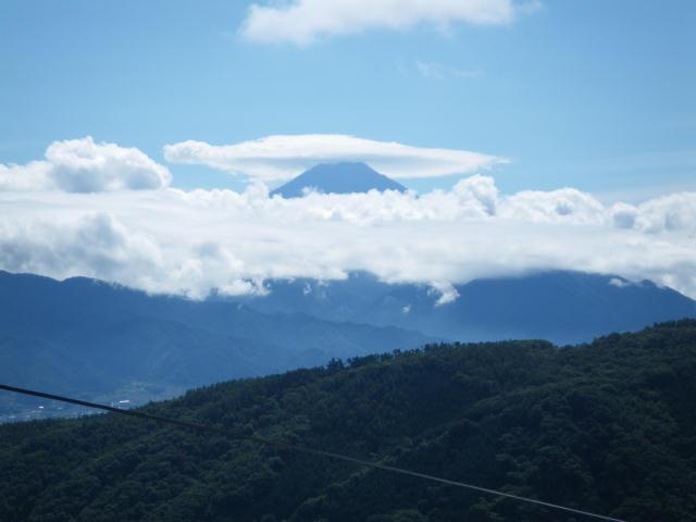 富士山に傘が!