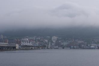 函館山は霧の中